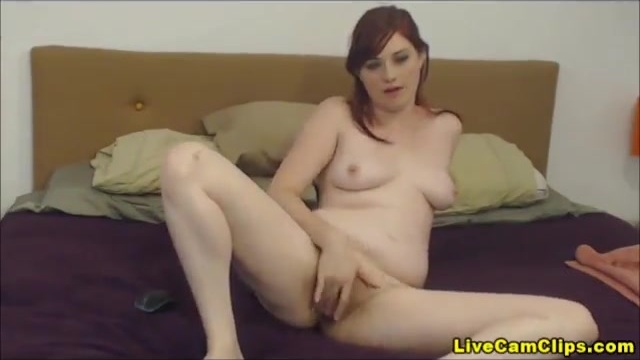Amateur redhead on her webcam