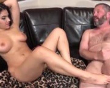 Peliculas porno de colegialas inocentes abusadas por viejos vetrdes Videos Porno De Viejo Y Joven Cumlouder Com