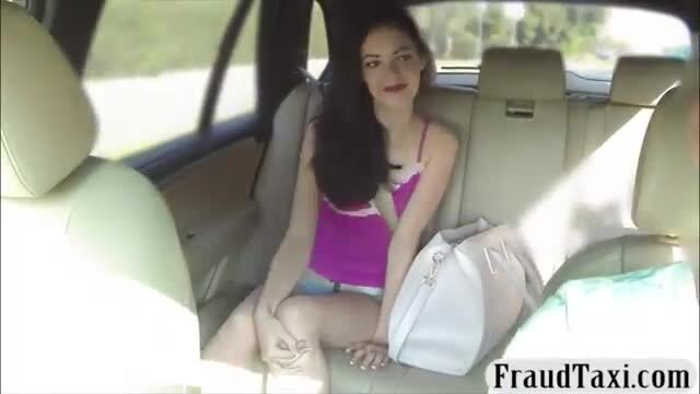Cutie passenger railed by fraud driver