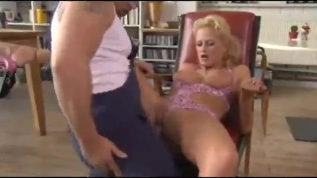 Horny mature woman fucking the janitor
