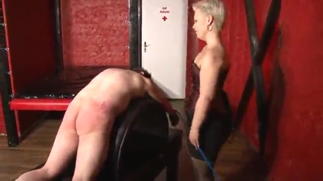 Midget woman whips a man's ass