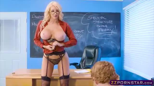 Teacher Sucks Off Student