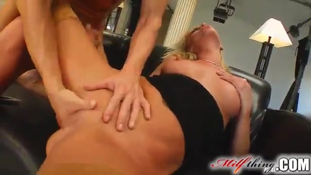 Dirty MILF enjoys anal