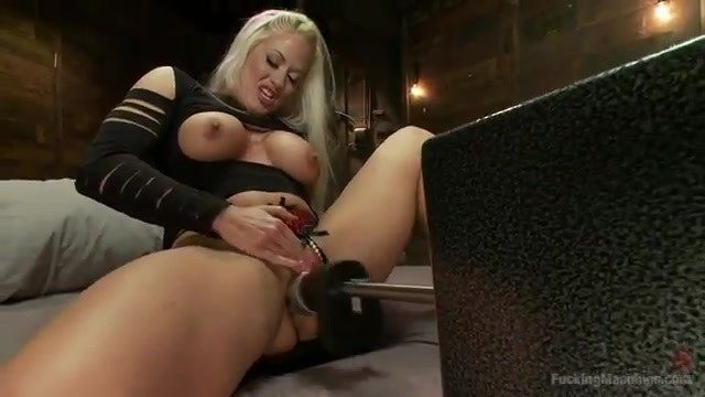 Sex machines for a kinky blond