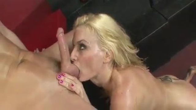 Blonde customer fucks the waiter