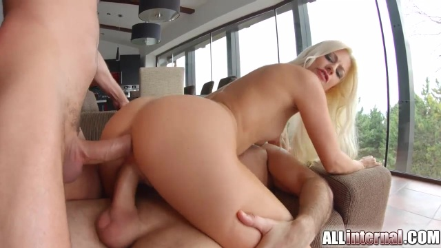 Double penetration and anal creampie with Jessie Volt