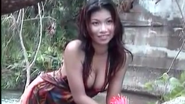 Asian hotties get naked for you