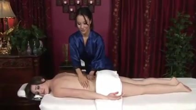Massage between girls with a happy ending