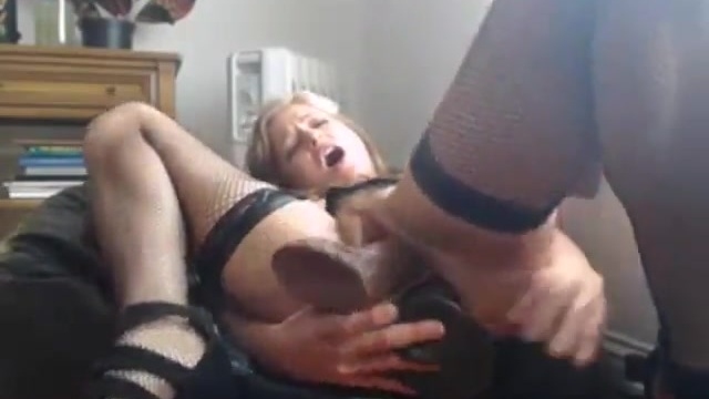 Dirty amateur blonde and her suction-cup dildos