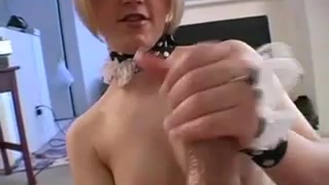 A handjob from a lusty amateur is rewarded with a hot facial