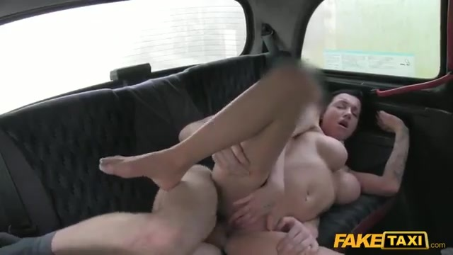 Brunette Londoner banged in the cab