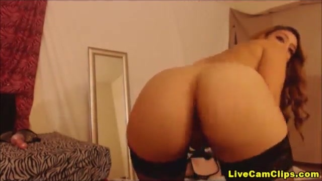 Horny Latina shakes it for the camera