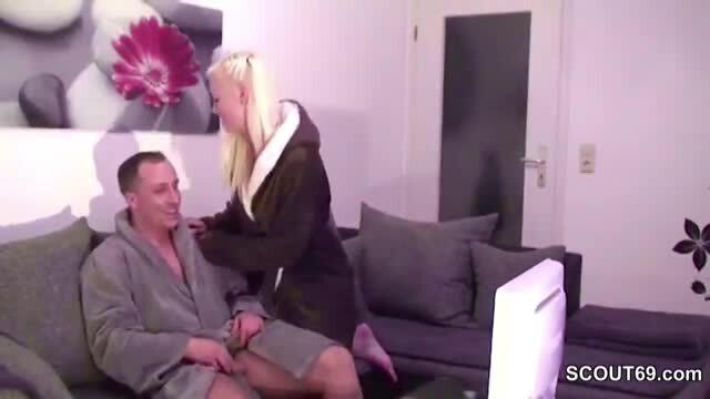 Bruder und Schwester erwischt Sex