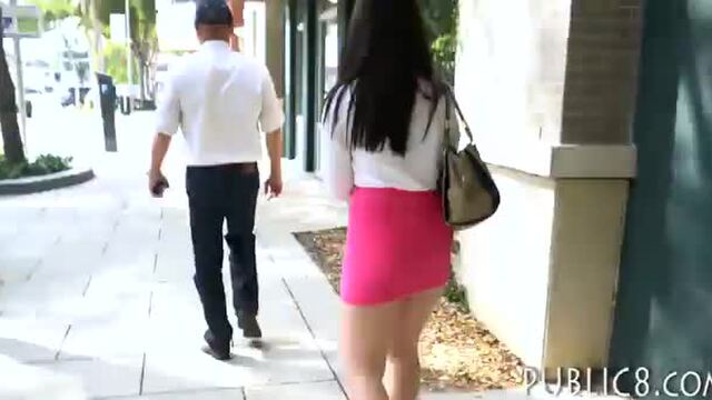 Phat ass eurobabe gets screwed in public